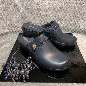 Collection by Clarks Leisa Carly Navy Leather Mule